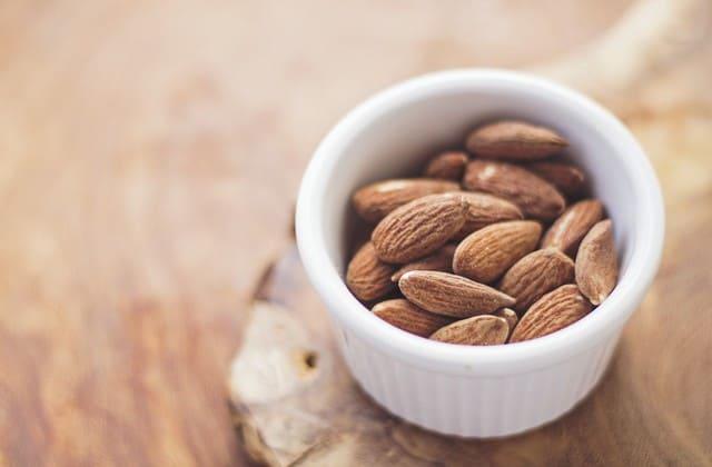 Kacang Almond, alternatif lain untuk jaga kolesterol dalam darah setiap hari