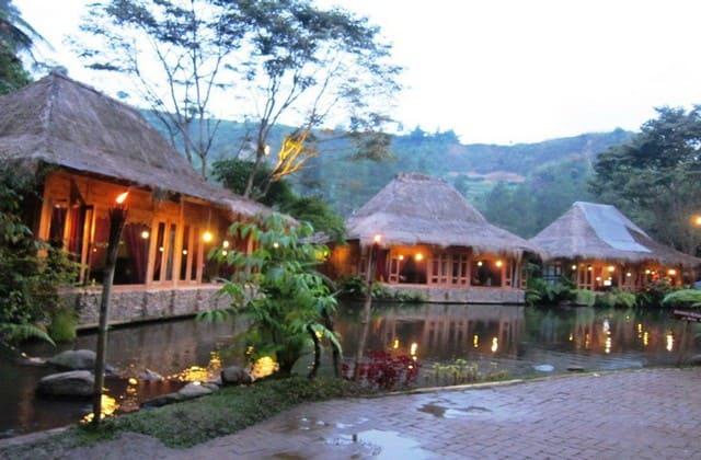 Imah, bukan nama seorang perempuan, tapi ini adalah nama wisata alam Bandung yang recomended banget