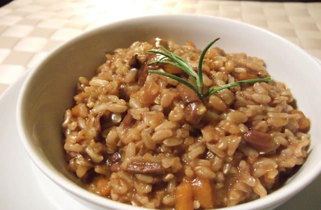 Konsumsi beras merah membuat kamu tidak mudah lapar dan menjaga gula darah agar tetap normal
