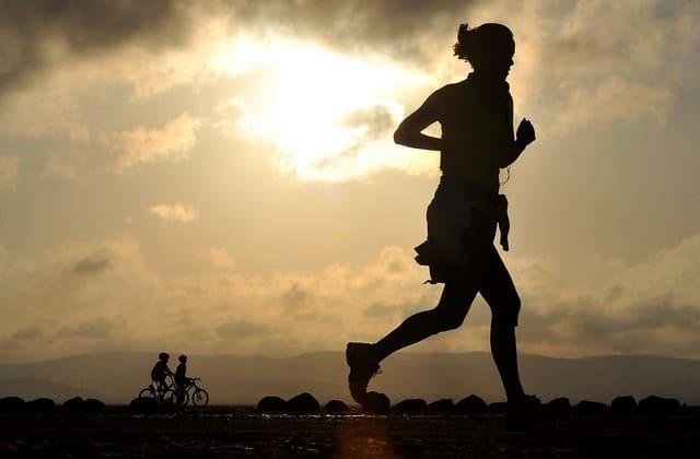 Olahraga, meskipun tidak bayar, tapi bisa menjadi pilihan terbaik untuk mengatasi kadar gula darah yang tidak normal